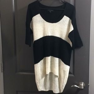 Black and white loose tunic top